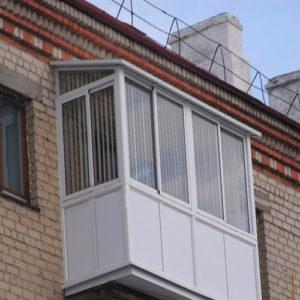 Остекление хрущевки с крышей